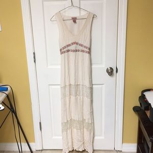 Flying tomato maxi dress size medium